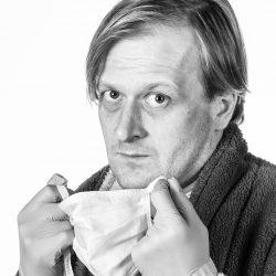 Martin Siničák v roli Ernieho